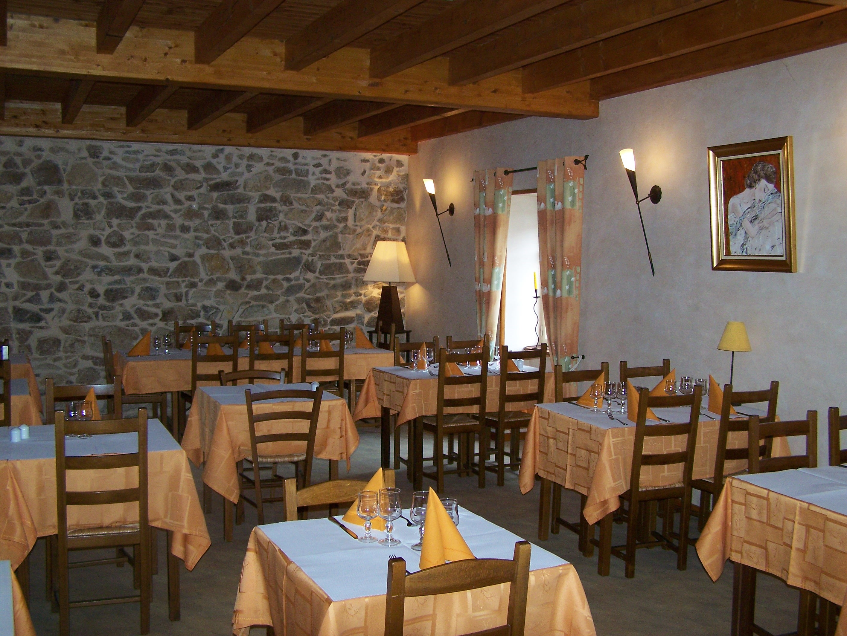 reprise-du-bar-restaurant-fougeras-01